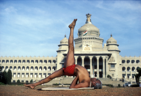Iyengar and the Invention of Yoga - The New Yorker | Yoga | Scoop.it
