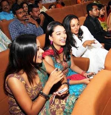 Bhavana Cleavage Show Hot IN Churidar - Cinetag- View Indian Celebrities Hot Photo Updates | Cinihot | Scoop.it