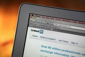 Infographic: How people use their LinkedIn profiles | Skolbiblioteket och lärande | Scoop.it