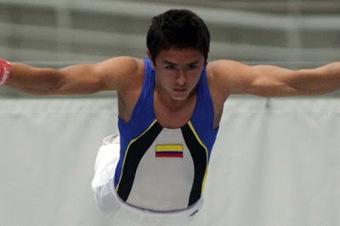 Jhonny Muñoz gana oro en Copa Mundial de Gimnasia