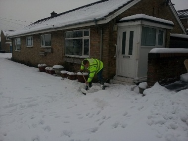 Clearing snow for pensioners | The Indigenous Uprising of the British Isles | Scoop.it