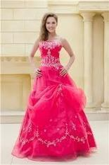 Make Your Dress POP In Your Prom Party | Prom Dresses Calgary | Scoop.it