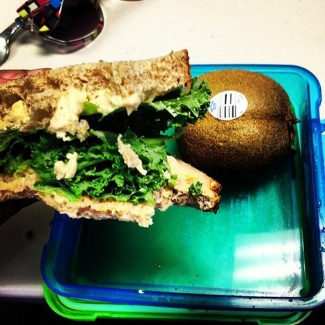 Anniething Goes • Kale and hummus sandwich with kiwi for lunch... | Going Veg | Scoop.it
