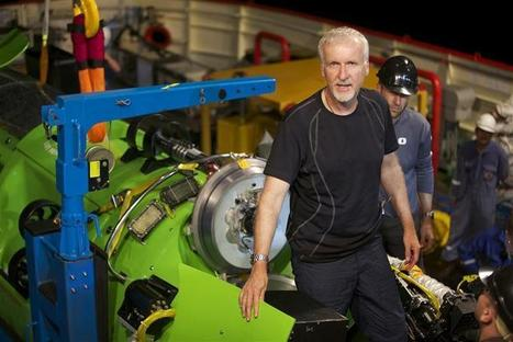 """""""Titanic"""" director makes first solo dive to Earth's deepest point 
