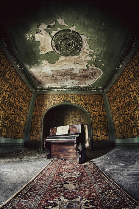 Dead Place Beauty of Urban Decay in Photos   Culture and Fun - Art   Scoop.it