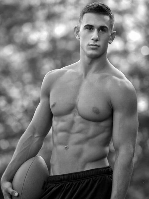 THE HOT FITNESS MODEL NICK