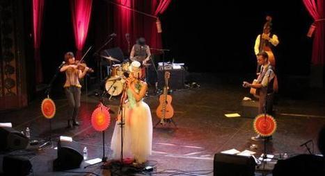 Scènes voisines au théâtre Monsigny à Boulogne : la pétillante Gabby Young ouvre le bal! | Tourisme Boulogne-sur-Mer | Scoop.it