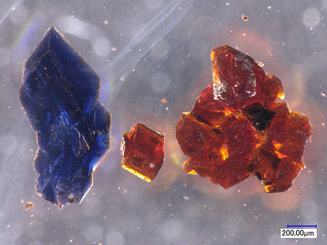 Surprising chemistry: Two differently colored crystals - orange and blue - from one chemical in the same flask | Amazing Science | Scoop.it