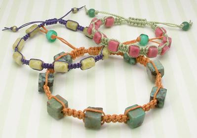 3 Fabulous Macrame Bracelet Patterns | DIY Macrame Jewelry Tutorials | Scoop.it