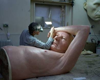 Artist at work: Inside the workshop of Ron Mueck, creator of eerily lifelike sculptures | The Independent (Royaume-Uni) | Océanie | Scoop.it