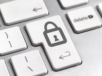 10 Tips to Protect Yourself Online | The 3 C's of internet safety | Scoop.it