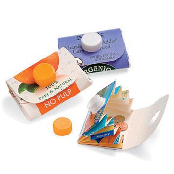 Recyclable Crafts: Carton Wallet   Crafts   Spoonful   Manualitats i coses per fer   Scoop.it