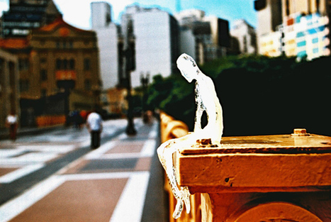 Hundreds Of Tiny Ice People Invade Belfast   Art imitates life imitating Art   Scoop.it