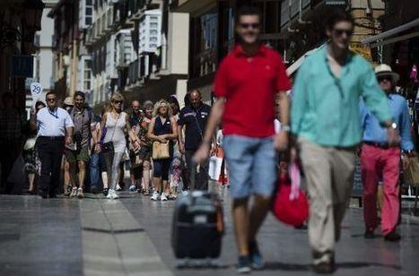 Los turistas dejan en España más dinero que nunca entre enero y julio | Geografia de España | Scoop.it