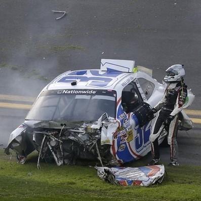 У несрећи у Дејтони повређено 33 навијача - Политика | Sportske vesti i zanimljivosti | Scoop.it