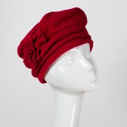 Grand bonnet forme béret en laine rouge, marron chocolat ou violet   Accessoires de mode femme   Scoop.it
