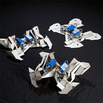 Origami-style transformer self-assembles before scuttling away - Gizmag | Maths and Paper-engineering | Scoop.it