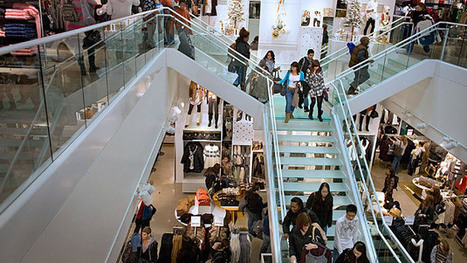 H&M's Megastore Brings Cashiers Into Dressing Rooms   News about Commercial Real Estate   Scoop.it