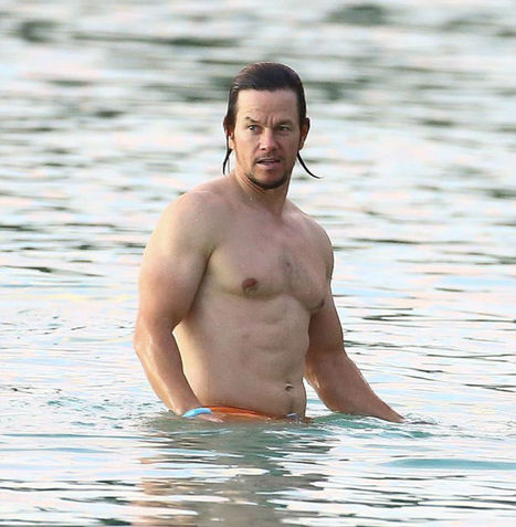 Mark Wahlberg Spotted Shirtless at the Beach in Barbados - Shirtless Hunk Photos | FlexingLads | Scoop.it