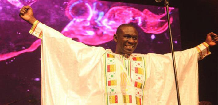 Pape Diouf met le feu à Old Town School de Chicago après Baba Maal et Youssou N'dour. | DakarActu | Kiosque du monde : Afrique | Scoop.it
