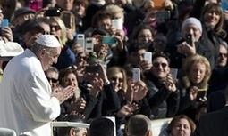 Pope Francis to be greeted by 19km of mobile phone lights on Mexico City visit | AP Human Geography Digital Knowledge Source | Scoop.it