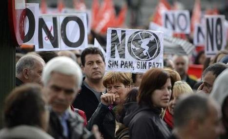 Spain, Greece, and Portugal Should Quit the euro. It's the only way to save their doomed economies.   Financial News   Scoop.it
