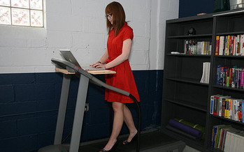 Standing desks and walking stations replace office chairs at GSK | Office Environments Of The Future | Scoop.it