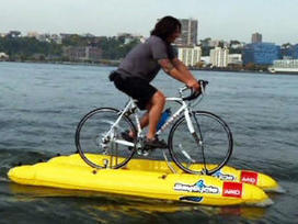 Video: Man crosses Hudson River - on a bike | INTRODUCTION TO THE SOCIAL SCIENCES DIGITAL TEXTBOOK(PSYCHOLOGY-ECONOMICS-SOCIOLOGY):MIKE BUSARELLO | Scoop.it