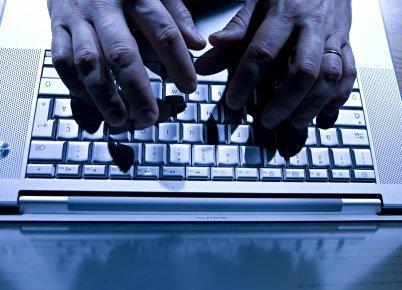 Piégés par des demoiselles sexys - Cyberpresse   Dangers du Web   Scoop.it