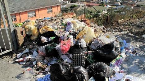 Afrique du Sud: violences et tensions autour de la grève des éboueurs - RFI | NPA - déchets et recyclage | Scoop.it