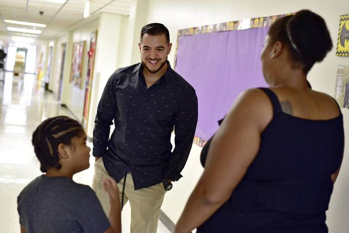 Dallas schools double up in expanding dual-language program