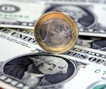 Debt crisis shrinks international use of euro; dollar holds steady | money money money | Scoop.it