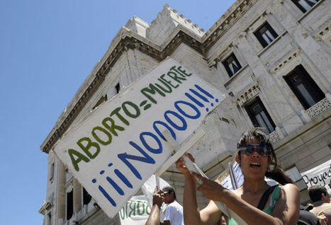 Latin America takes action to decriminalize abortion - VOXXI | News from the Spanish-speaking World | Scoop.it