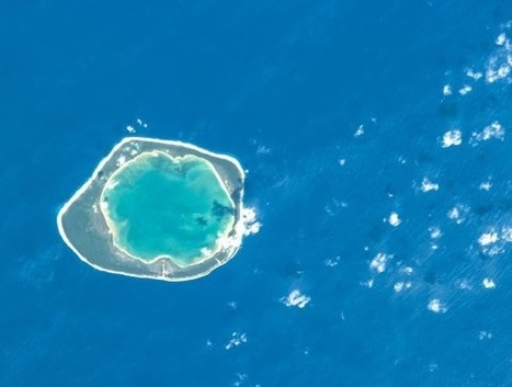 Gorgeous Pic of a Coral Reef ... FROM SPACE - Slate Magazine (blog) | Ecosystems | Scoop.it