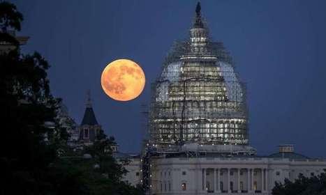 Image: Blue moon over Washington   Era del conocimiento   Scoop.it