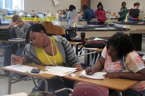 Can the Flipped Classroom Benefit Low-Income Students?   MindShift   Reforming Ed Reform   Scoop.it