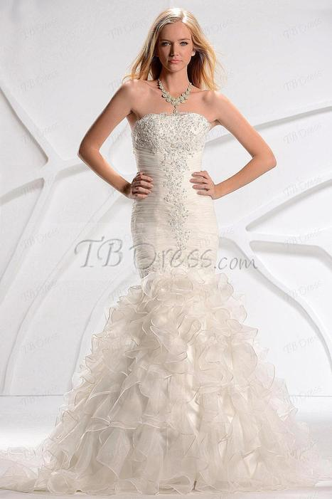 Amazing Trumpet/Mermaid Slim Sweetheart Court Train Ruffles Fall Wedding Dress | a la mode | Scoop.it