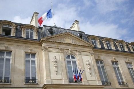Pourquoi les drapeaux français sont-ils en berne ?   News in the French class   Scoop.it