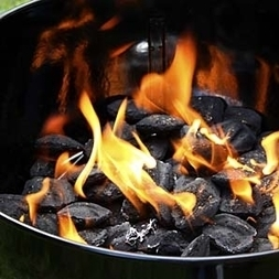 How to Build a Four-Hour Fire: Build a four-hour fire. #Cooking | Jager Foods | Scoop.it