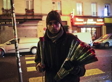 La vraie vie des vendeurs de roses à Paris | Les bons articles. | Scoop.it