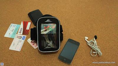 Brazalete deportivo con iluminación de seguridad, Armpocket Nighthawk sport armband   Reviews iPhone iPad accesorios   Scoop.it