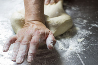 How to: Knead Bread – How To – Food Hub | Breadmaking | Scoop.it