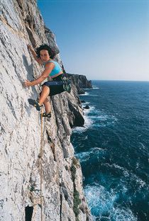 Reequipping with 'marine' gear in Sardinia by Louis Piguet - Planetmountain | time in sant'antioco | Scoop.it
