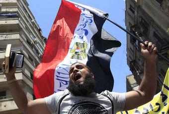 Egypte: un salafiste prié de se taire après avoir attaqué Naguib Mahfouz | Égypt-actus | Scoop.it