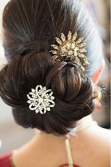 Look Attractive and Beautiful with Best Hairstyle for Saree | Motherhood | Scoop.it