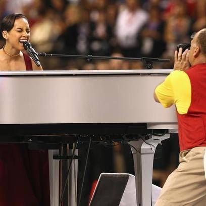 Alicia Keys Plays Piano Version of National Anthem | Digital-News on Scoop.it today | Scoop.it