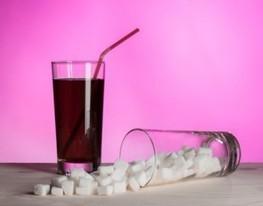 La tassa sulle bevande zuccherate funziona, ma non bastano pochi centesimi a lattina, bisogna arrivare al 20% — Il Fatto Alimentare   Health promotion. Social marketing   Scoop.it