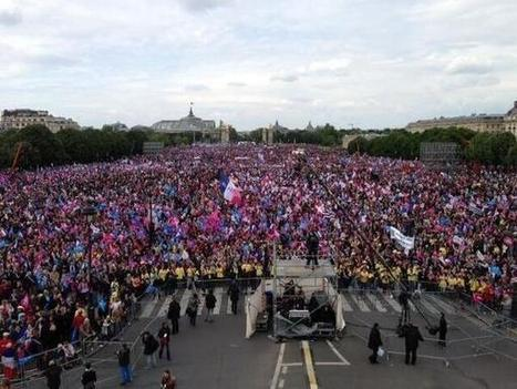 "Colossal ! 26 mai 2013 : La France se dresse face à la ""décadence pour tous"" 