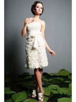 Sensational Sheath/Column Knee-length Strapless Flowers Wedding Dresses - 2013 Summer Fashion Trends - Wedding Dresses | Knee Length Wedding Dresses | Scoop.it