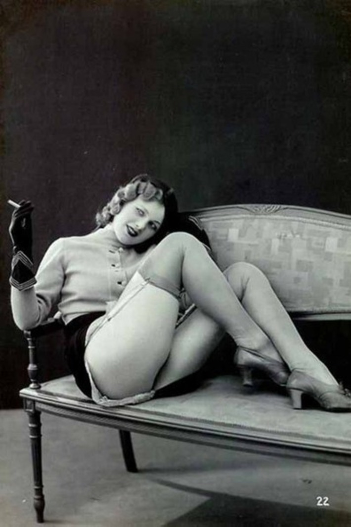 Stockings, shoes, gloves, smoking — and a little vintage sweater FTW! | Sex History | Scoop.it